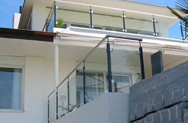 voser metallbau ag gel nder und gitter. Black Bedroom Furniture Sets. Home Design Ideas